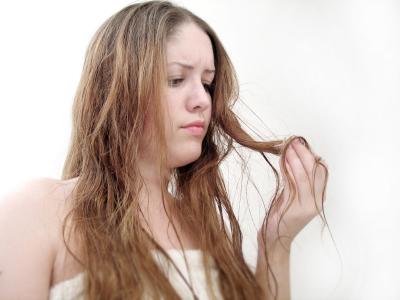 Comment lutter contres les cheveux gras?